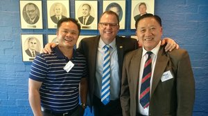 Suardi Sumiati (Chung Wah), Mark Stewart (EFFC) and William CHI (Chung Wah)